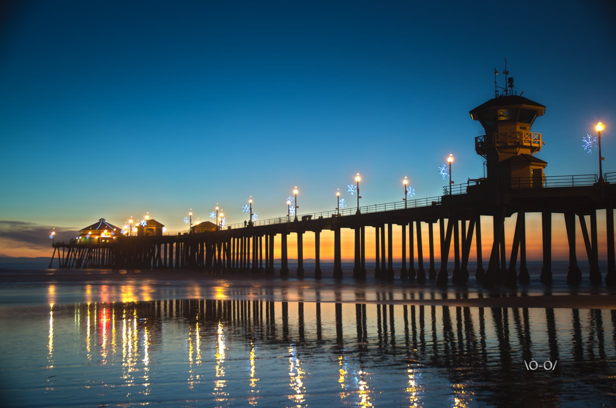 Huntington Beach Pier © 2011 TheLifeOfRick.com • All Rights Reserved